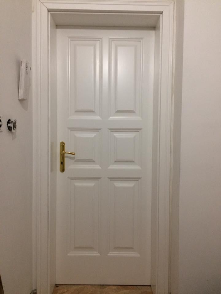 Масивна врата бяла - КОНАС ООД  - производство на  мебели от масив, дървен материал и дървен материал за строителството