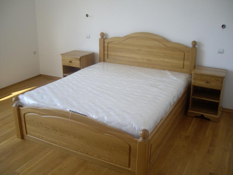 Спалня от дъб с механизъм  - КОНАС ООД  - производство на  мебели от масив, дървен материал и дървен материал за строителството
