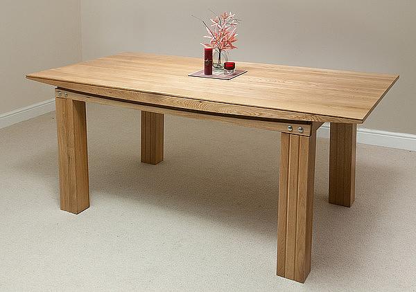 Масивна маса дъб - КОНАС ООД  - производство на  мебели от масив, дървен материал и дървен материал за строителството