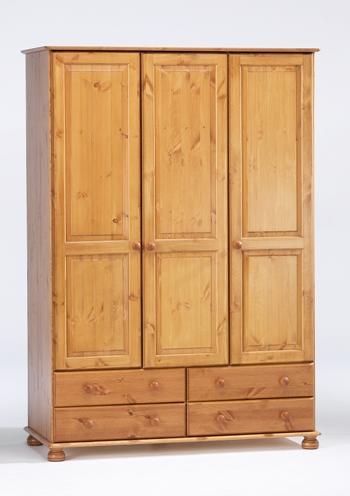 Трикрилен гардероб чам с 3 врати и 4 чекмежета - КОНАС ООД  - производство на  мебели от масив, дървен материал и дървен материал за строителството